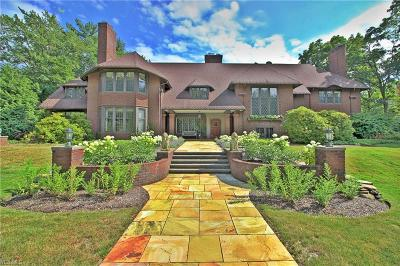 Shaker Heights Single Family Home For Sale: 15970 S Park Boulevard
