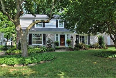 Shaker Heights Single Family Home Contingent: 23863 Wimbledon Rd