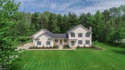 Chardon Single Family Home For Sale: 11786 Lake Road