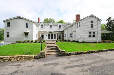 Willoughby Hills Single Family Home For Sale: 32700 White Rd
