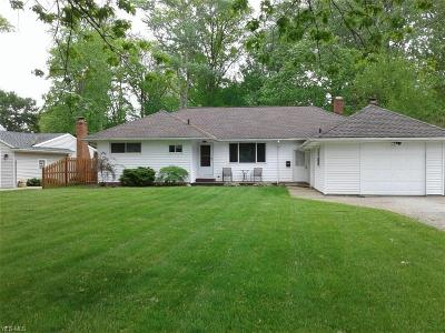 North Olmsted Single Family Home For Sale: 4357 Canterbury Rd