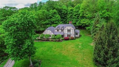 Chagrin Falls Single Family Home Active Under Contract: 820 Sun Ridge Lane
