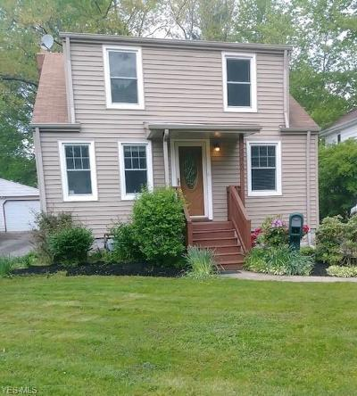 North Olmsted Single Family Home For Sale: 22960 Summerland Avenue