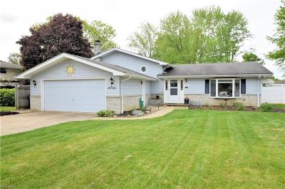 North Olmsted Single Family Home Contingent: 27181 Glouchester Dr
