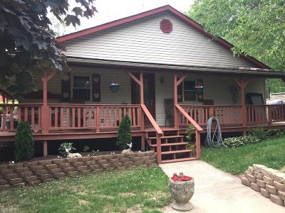 Muskingum County Single Family Home For Sale: 8185 Butcher Knife Rd