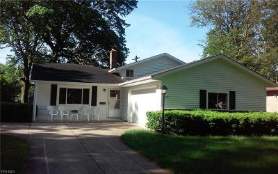 North Olmsted Single Family Home For Sale: 23963 Vincent Drive