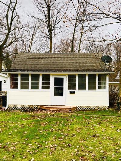 Eastlake Single Family Home For Sale: 33968 Iris Lane