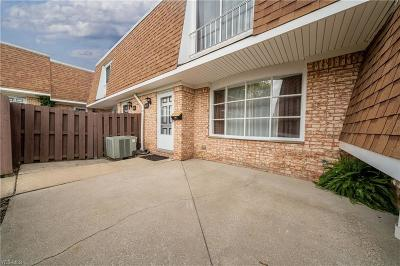 Parma Single Family Home For Sale: 6472 State Rd #J2