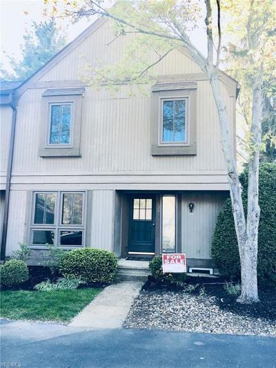 Chagrin Falls Condo/Townhouse For Sale: 17534 Fairlawn Drive