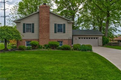 Willoughby Single Family Home For Sale: 5664 Crown Ct
