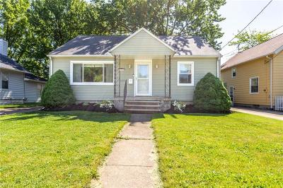 Elyria Single Family Home For Sale: 389 Gulf Road