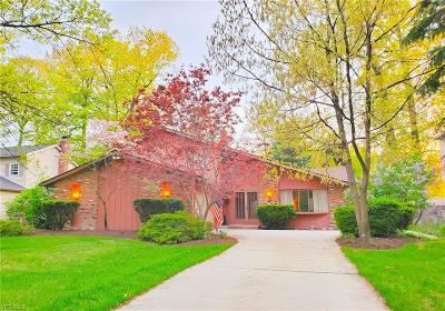 North Olmsted Single Family Home For Sale: 3944 Deepwoods Way