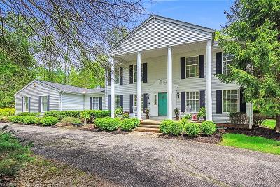 Chagrin Falls Single Family Home For Sale: 16485 Lucky Bell Ln