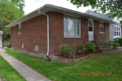Parma Single Family Home For Sale: 8116 Fernhill Ave