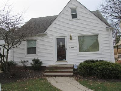 Parma Single Family Home For Sale: 4415 Wood Ave