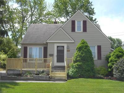 Parma Single Family Home For Sale: 3513 Center Dr