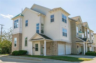 Cleveland Condo/Townhouse For Sale: 17639 Wildwood Lane