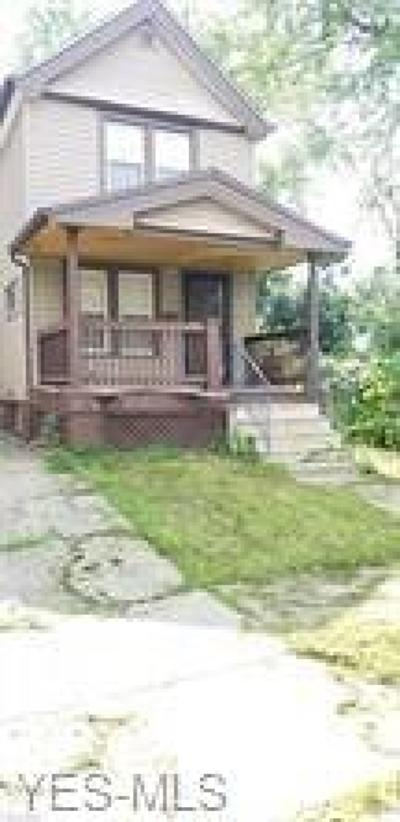 Cleveland Single Family Home For Sale: 477 E 114th Street