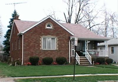 Lorain Single Family Home Active Under Contract: 700 W 21st Street