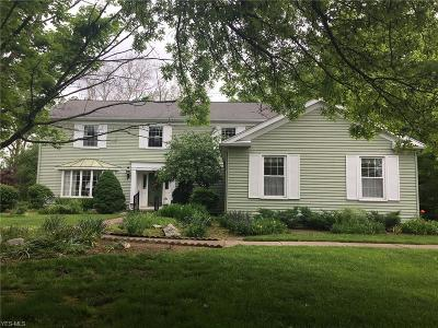 Elyria Single Family Home For Sale: 374 Windward Drive