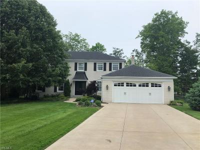 Middleburg Heights Single Family Home Active Under Contract: 7660 Aldersyde Drive