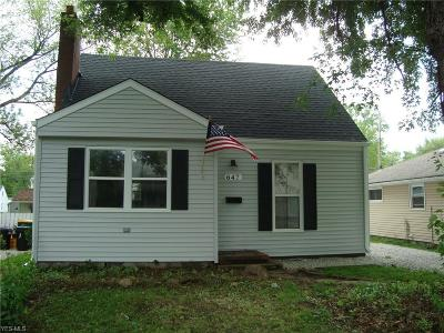 Willoughby Single Family Home For Sale: 647 Tioga Trail