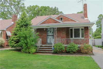 Lorain Single Family Home Active Under Contract: 832 Highland Park Boulevard