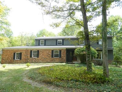 Chardon Single Family Home For Sale: 11487 Winterberry Lane