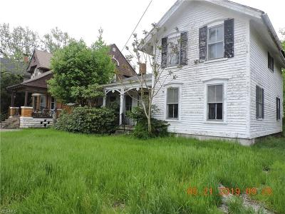 Ashtabula Single Family Home For Sale: 818 Center Street