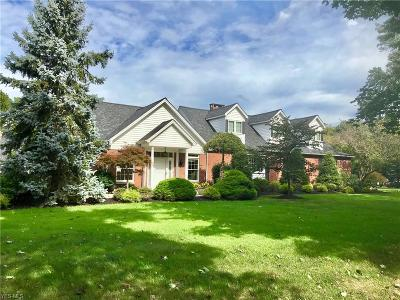 Willoughby Single Family Home For Sale: 35977 Ridge Road
