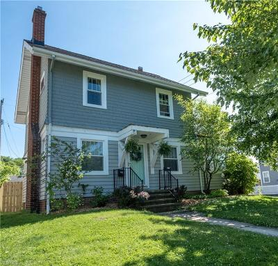 Lakewood Single Family Home Active Under Contract: 17521 Franklin Avenue