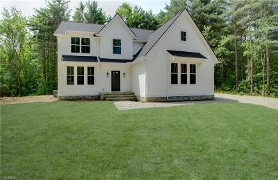 Chagrin Falls Single Family Home For Sale: 18089 Chanticleer Court