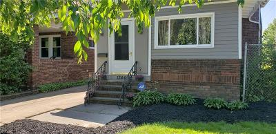Lakewood Single Family Home Active Under Contract: 1344 Manor Park Avenue