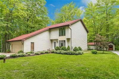 Chardon Single Family Home Active Under Contract: 8445 Woodhill Drive
