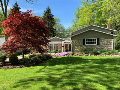 Chagrin Falls Single Family Home Active Under Contract: 8432 Summit Drive