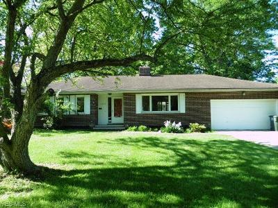 Lyndhurst Single Family Home For Sale: 4938 Hartley Drive