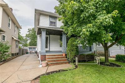Lakewood Single Family Home For Sale: 17608 Cannon Avenue