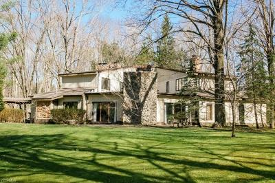 Chagrin Falls Single Family Home For Sale: 4820 Chagrin River Road