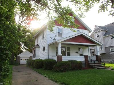 Elyria Single Family Home For Sale: 440 Jefferson Street