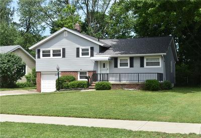 Willoughby Single Family Home Active Under Contract: 38955 Gardenside Drive
