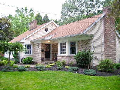 Canfield Single Family Home Active Under Contract: 370 Overbrook Drive