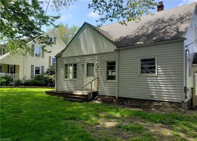 Conneaut Single Family Home For Sale: 302 W Main Road
