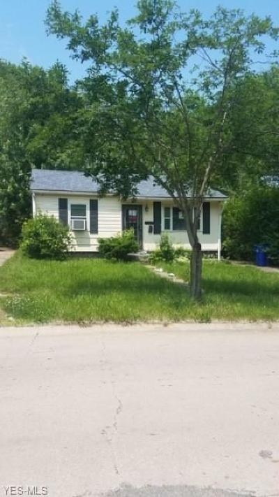 Cleveland Single Family Home For Sale: 4400 142