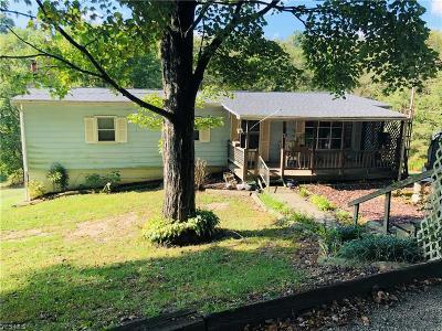 Wellsville Single Family Home For Sale: 40690 Osbourne Road