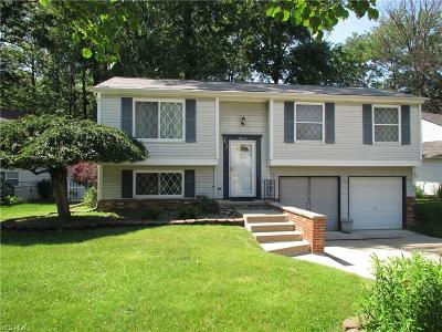 Willoughby Single Family Home For Sale: 5414 Oak Ridge Drive