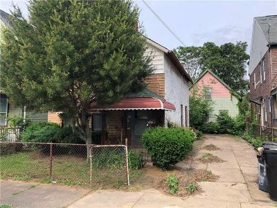Cleveland Single Family Home For Sale: 1445 W 50th Street