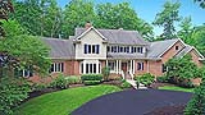 Chagrin Falls Single Family Home Active Under Contract: 9541 Weathervane Drive