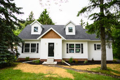 Seven Hills Single Family Home Active Under Contract: 1343 Mapleview Drive
