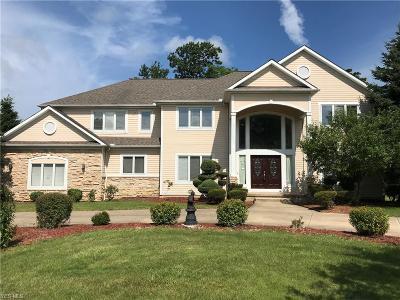 Pepper Pike Single Family Home For Sale: 2504 Ginger Wren Road