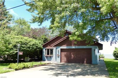 Willoughby Single Family Home For Sale: 38847 Sunset Trail